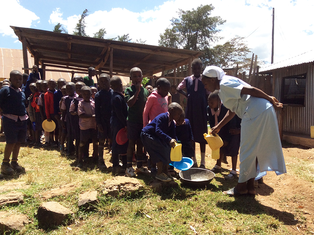 Pupils learning to use water sustainably